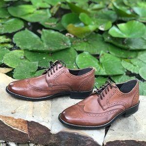 Nun Bush wing tip shoes